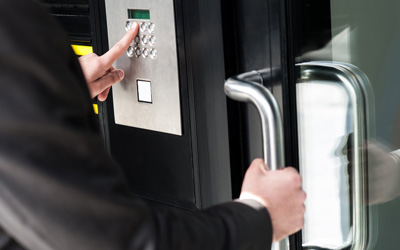 3 Reasons To Install High-Security Locks At Commercial Sites